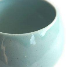 画像2: 【SHIKIKA】ころころ 大 焼酎カップ ハーフ スカイブルー・ブラウン/みず・茶色/カップ/コップ/湯のみ/コロコロカップ/陶器製/日本製 270ml (2)