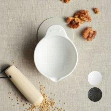 画像1: 【SHIKIKA】ごますりばち 暮らしの小道具 スマートキッチン ミニアイテム すりばち すり鉢  ごま  ゴマ ミニ 白 黒 小さい ツール 磁器 ロロ LOLO 日本製 美濃焼 擂り鉢 (1)