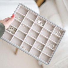 画像13: 【STACKERS】ジュエリーボックス 選べる3個セット  ペブルグレー gray グレイ グレー 蓋つき スタッカーズ ジュエリーケース ジュエリートレイ 重ねる 重なる アクセサリーケース イギリスデザイン ロンドン JEWELLRY BOX (13)