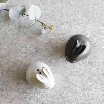 画像2: 【アイ・クラフト】 うさぎ ソルト&ペッパー 塩 こしょう /ウサギ/黒うさぎ 白うさぎ 兎/陶器/日本製 ハンドペイント インテリア