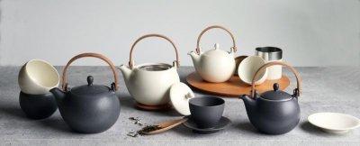 画像1: 【SALIU】結 YUI 土瓶 急須 600ml 5点セット 湯呑み 茶敷 茶托 ソーサー 陶器/磁器/白磁/丸い/かわいい/可愛い/美濃焼/急須/日本製/ティーポット おしゃれ かわいい きゅうす 茶こし 取っ手 人気 おすすめ