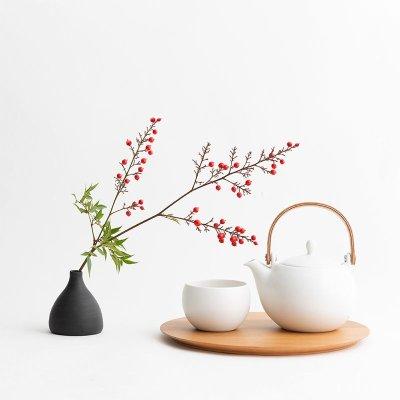 画像1: 【SALIU】結 YUI カップ ころころ 湯呑み  湯飲み ゆのみ 陶器 磁器 丸い かわいい 可愛い 日本製 おしゃれ マットブラック 黒 白 シンプル