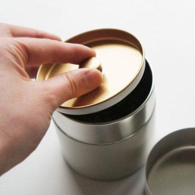 画像2: 【SALIU】茶缶 375g 保存容器 白 オフホワイト 和テイスト 和風 シンプル キャニスター 保存容器 ブリキ 日本製 LOLO