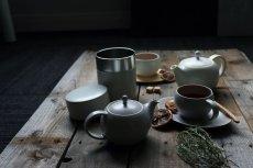 画像12: 【SALIU】結 YUI  ティープレート ソーサー 茶托 陶器  磁器 白磁 丸い かわいい 可愛い 美濃焼 急須 日本製  LOLO ロロ  おしゃれ 紅茶のための茶器 人気 おすすめ デザイン (12)