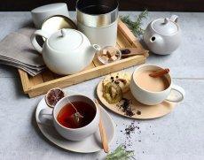 画像11: 【SALIU】結 YUI  ティープレート ソーサー 茶托 陶器  磁器 白磁 丸い かわいい 可愛い 美濃焼 急須 日本製  LOLO ロロ  おしゃれ 紅茶のための茶器 人気 おすすめ デザイン (11)