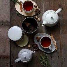 画像13: 【SALIU】結 YUI  ティープレート ソーサー 茶托 陶器  磁器 白磁 丸い かわいい 可愛い 美濃焼 急須 日本製  LOLO ロロ  おしゃれ 紅茶のための茶器 人気 おすすめ デザイン (13)