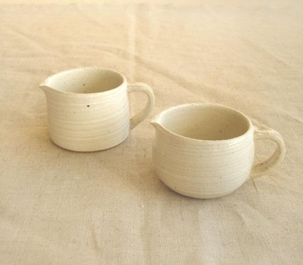 画像1: 【藤田千絵子】 クリーマー 丸 ストレート ハンドメイド 作家 陶芸作家 器 陶器 (1)