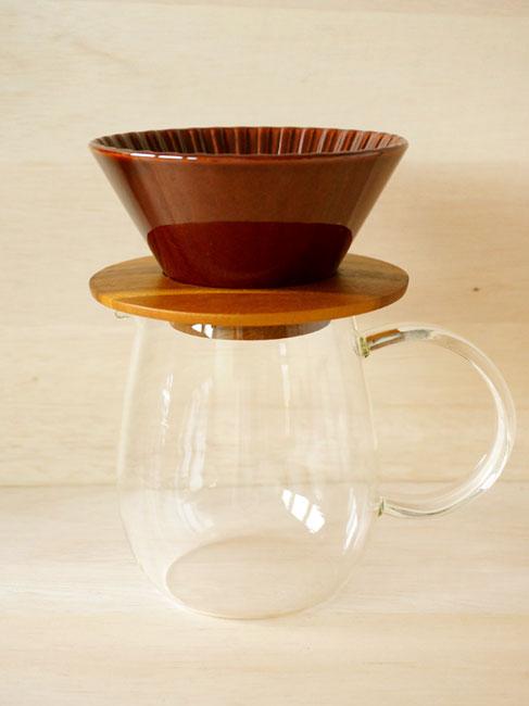 画像1: 【Dripper】ドリッパー丸セット  M ドリッパー ドリッパーホルダー コーヒーサーバー ブラウン アメ あめ 茶 木製 ガラス製 陶器 磁器 日本製 (1)