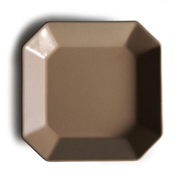 画像1: 【Des-pres】デ・プレ スクエアプレート グレージュ S 12cm/グレイジュ/グレージュ/グレー/ベージュ/プレート/八角/四角/黒土/グレイ/クラシカル/取り皿/お皿/小皿/陶器/日本製 (1)