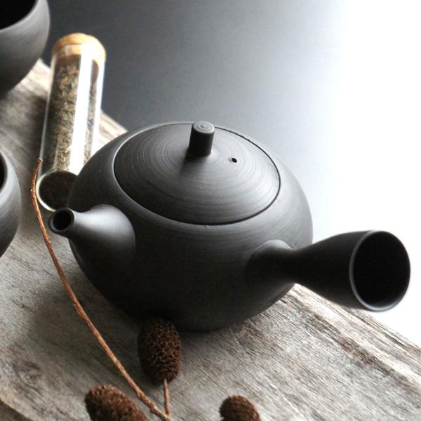 画像1: 【SALIU】 RYO-凌- 急須 ギフト箱 手作り/伝統工芸士/玉光陶苑/常滑焼/日本製/急須/サリュウ  おしゃれ かわいい きゅうす 茶こし 取っ手 人気 おすすめ (1)