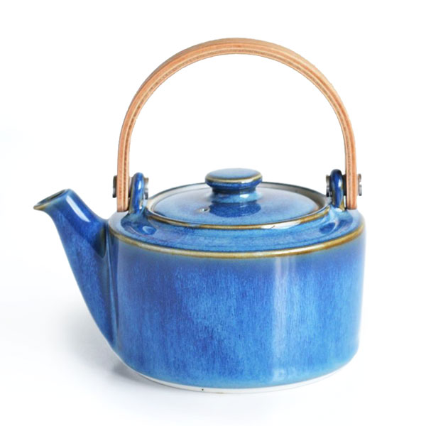 画像1: 【SALIU 】祥-SYO- 土瓶型 急須  藍  青 ブルー 木製ハンドル 功山窯 美濃焼 日本製 ティーポット LOLO ロロ おしゃれ かわいい きゅうす 茶こし 取っ手 人気 おすすめ (1)