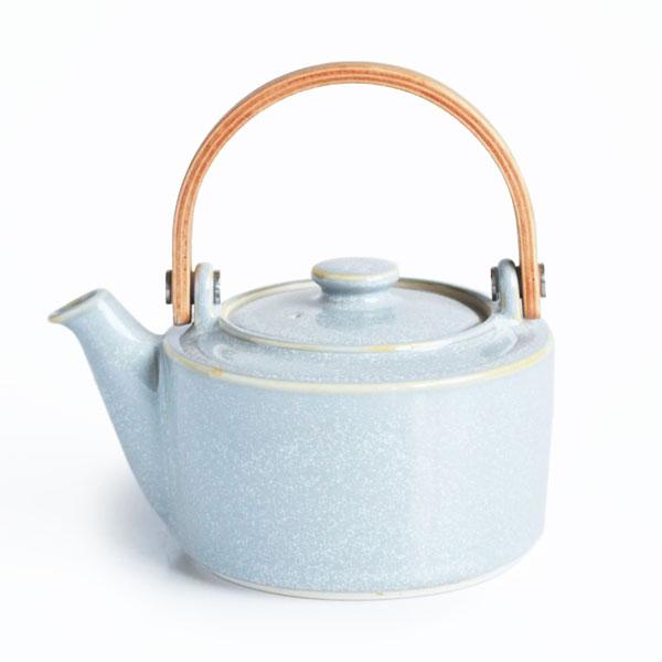 画像1: 【SALIU 】祥-SYO- 土瓶型 急須  灰  グレイ グレー 木製ハンドル 功山窯 美濃焼 日本製 ティーポット おしゃれ かわいい きゅうす 茶こし 取っ手 人気 おすすめ (1)