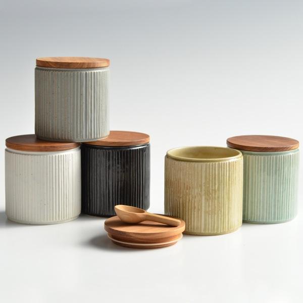 画像1: 【SALIU】キャニスター SA00 しのぎ チーク材  削ぎ 木蓋 陶器 LOLO ロロ 美濃焼 日本製 (1)