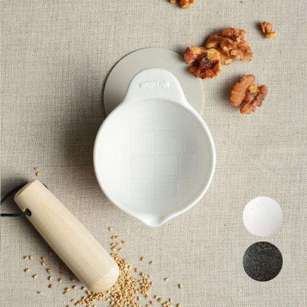 画像1: 【SHIKIKA】すりばち 暮らしの小道具 スマートキッチン ミニアイテム すり鉢 ごま ミニ 白 黒 小さい ツール 磁器 ロロ LOLO 日本製 (1)