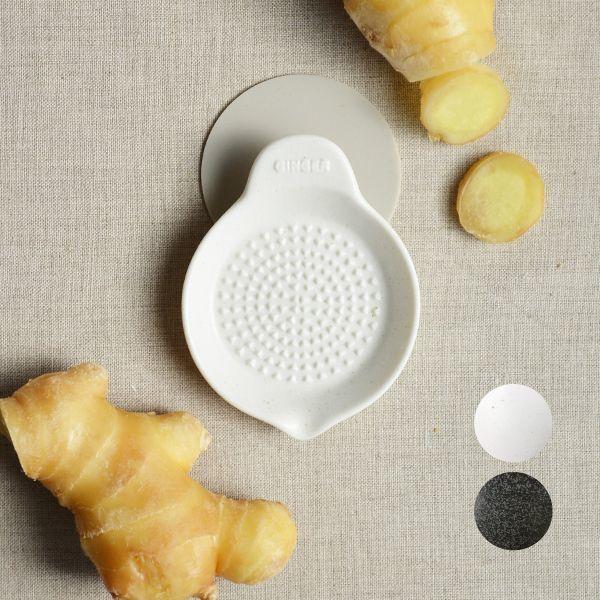 画像1: 【SHIKIKA】しょうがおろし 暮らしの小道具 スマートキッチン ミニアイテム おろし しょうが 擦りおろし  ミニ 白 黒 小さい ツール 磁器 ロロ LOLO 日本製 (1)