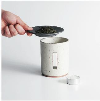 SALIUの茶香炉で普段のティータイムをよりおしゃれに香り豊かに楽しめます。