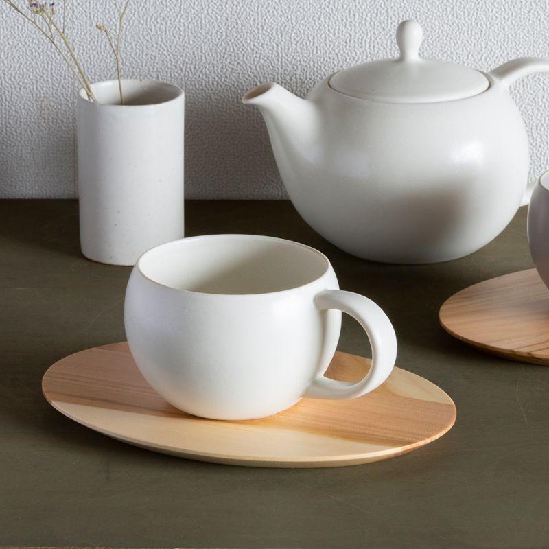 画像1: 【SALIU】結 YUI ティーカップ&木製プレート カップ&ソーサー 茶托 ティーカップ 湯飲み ソーサー 茶托 陶器  磁器 白磁 丸い かわいい 可愛い 美濃焼 急須 日本製  LOLO ロロ おしゃれ 紅茶のための茶器 きゅうす 茶こし 人気 おすすめ デザイン (1)