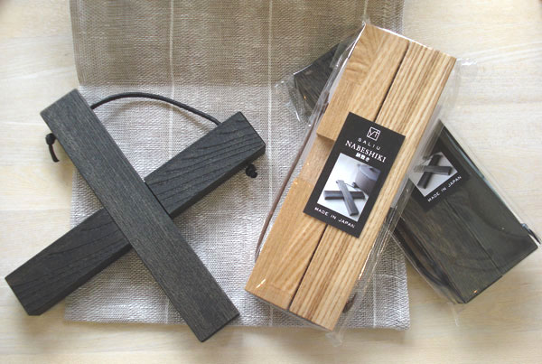 画像1: 【SALIU】鍋敷き(小)/クロス/木製/日本産栗の木 (1)